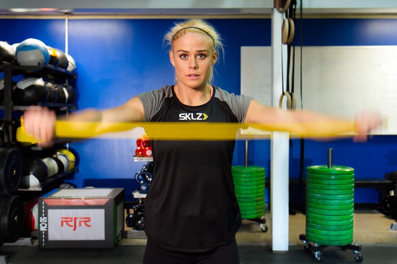 Trening z elastikami www.sportnaoprema.si